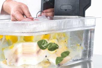 Sous vide – poznaj metodę gotowania potraw wpróżni